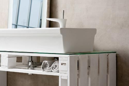 Ideas para decorar el ba o con muebles de palets for Muebles con tarimas para cocina