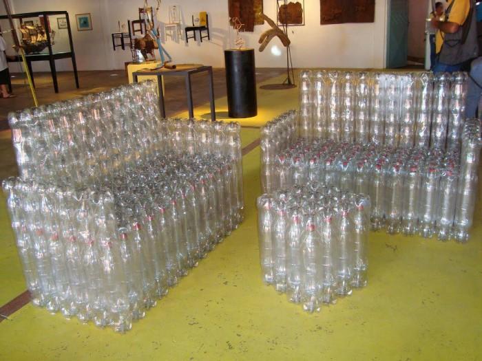 sillasones de PET ideas para mobiliario realizado con botellas o envases de plastico