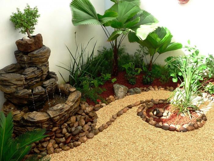 4small_garden_patio_fountain_rocks_bonsai_papirus4