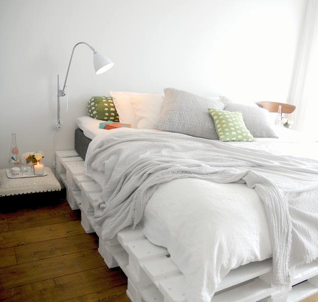 Ideas para hacer muebles reciclados cama con palets for Cama con palets
