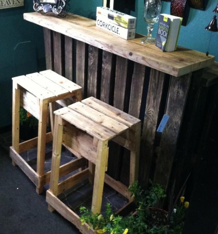 Ideas hechas con palets para el comedor ideas de mesas - Ideas de muebles hechos con palets ...