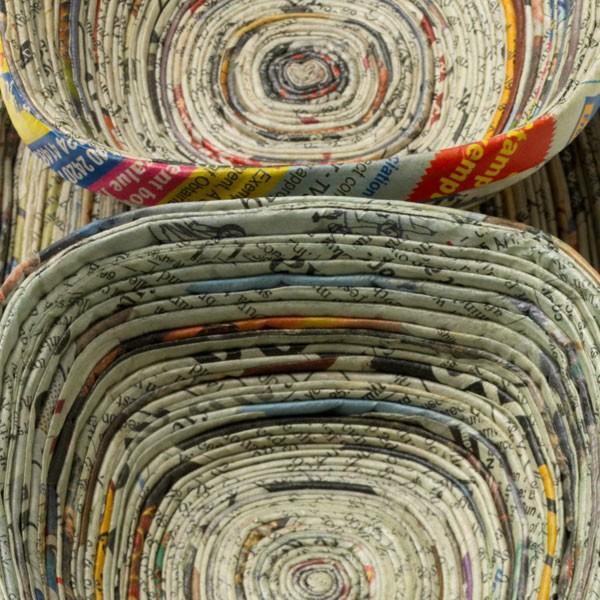 C mo reciclar papel de diario y hacer cosas para la casa for Casas y cosas