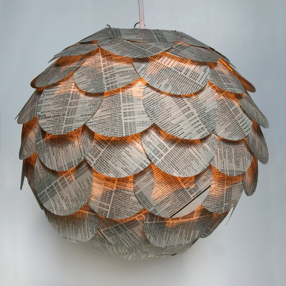 lampara-redonda-con-papel-periodico