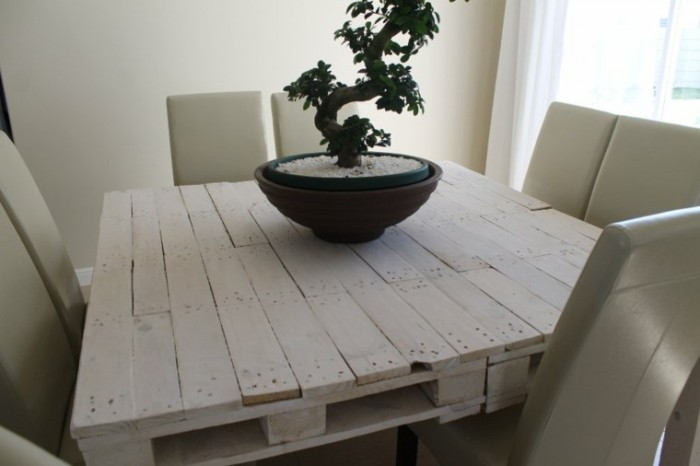 mesa-comedor-palets-blancos