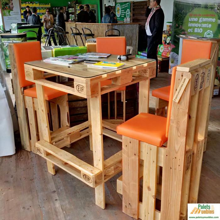 Ideas super originales para hacer sillas con palets for Como hacer muebles con palets paso a paso