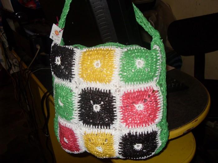 30 im genes con ideas para reciclar bolsas de plastico - Colores para reciclar ...