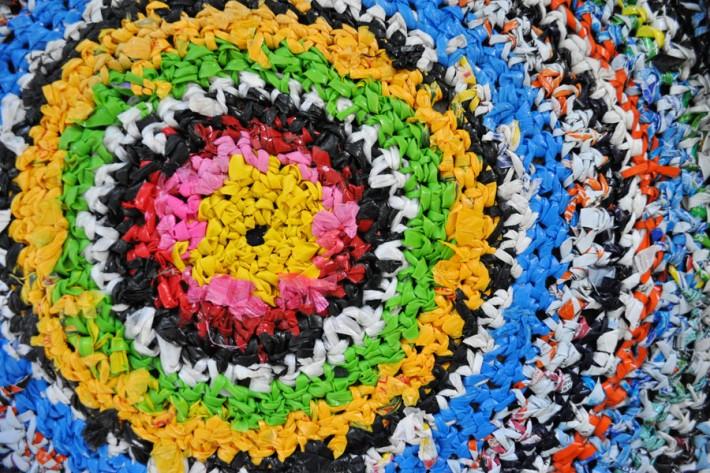 12340g-hacer-moquetas-bolsas-plastico