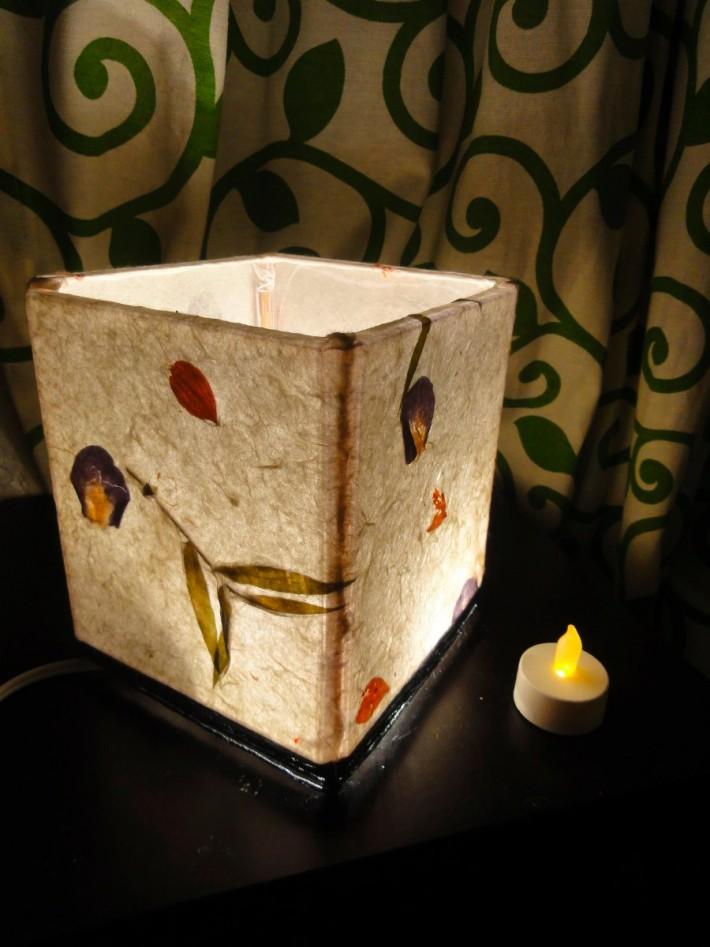 centro-de-mesa-con-cajas-de-cd-y-papel-reciclable-portavela-17601-MLM20140764637_082014-F