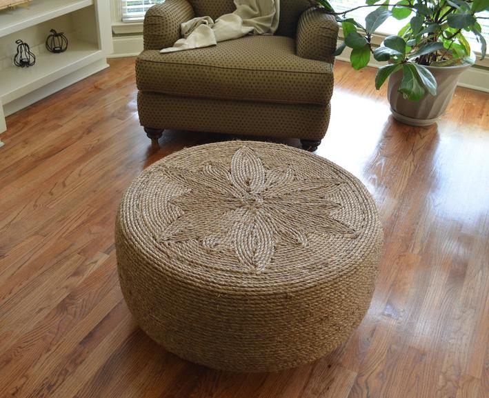 mesa de centro con neumatico reciclado