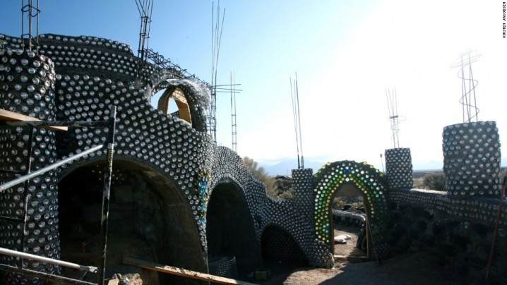 140814125932-recycle-earthship-horizontal-large-gallery