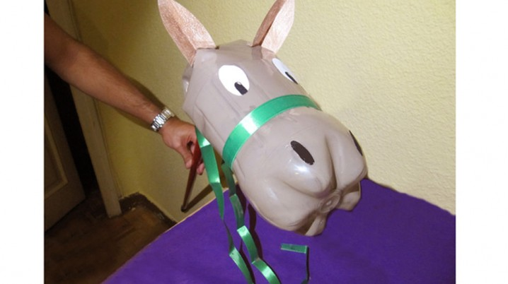 crea-caballo-botella-plastico_mdsima20120907_0319_33