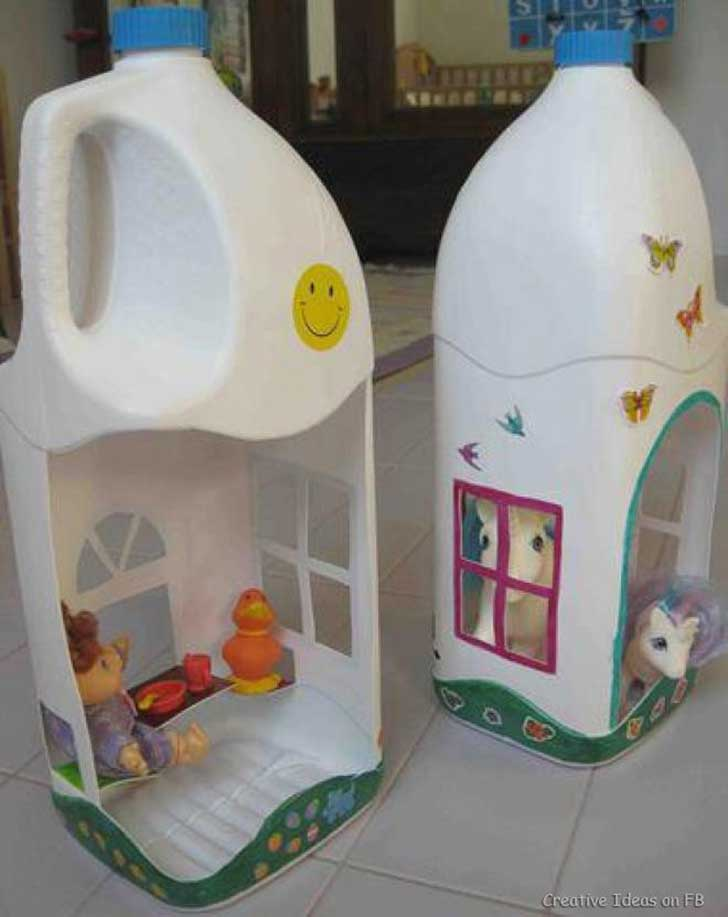 Juguetes para ni os hechos con botellas recicladas for Casa de juguetes para jardin de segunda mano