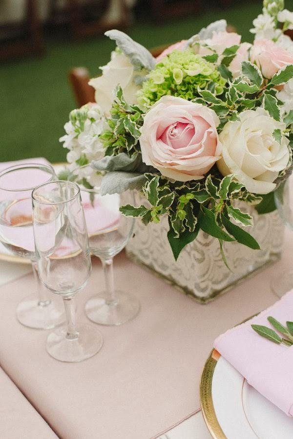 45 centros de mesa para bodas con materiales reciclados ecolog a hoy - Centro de mesa con flores ...