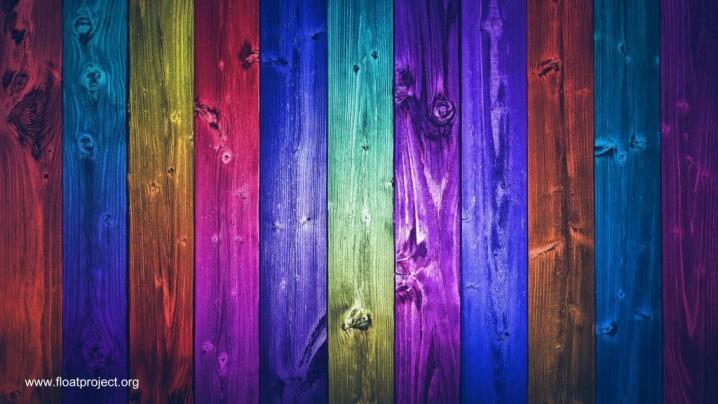 cerco-de-madera-listones-a-colores-varios