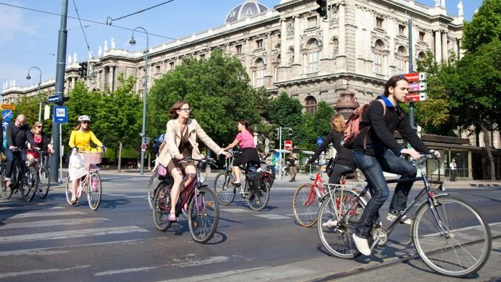 en-bicicleta-por-la-ciudad