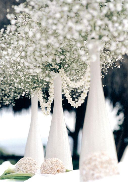 botellones-blancos-y-babys-breath-y-admira-tus-centros-de-mesa-para-boda
