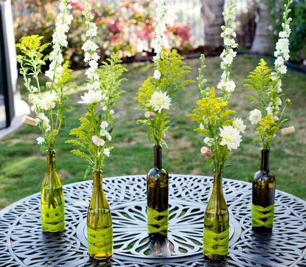 centros-de-mesa-flores-botellas-recicladas