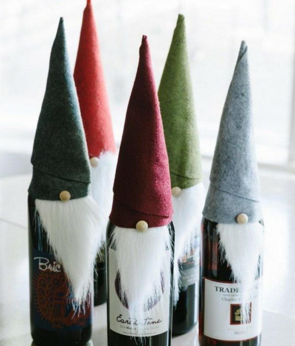 decoracion-navidena-con-materiales-reciclados-faciles-para-ninos-botellas-duendes-600x702