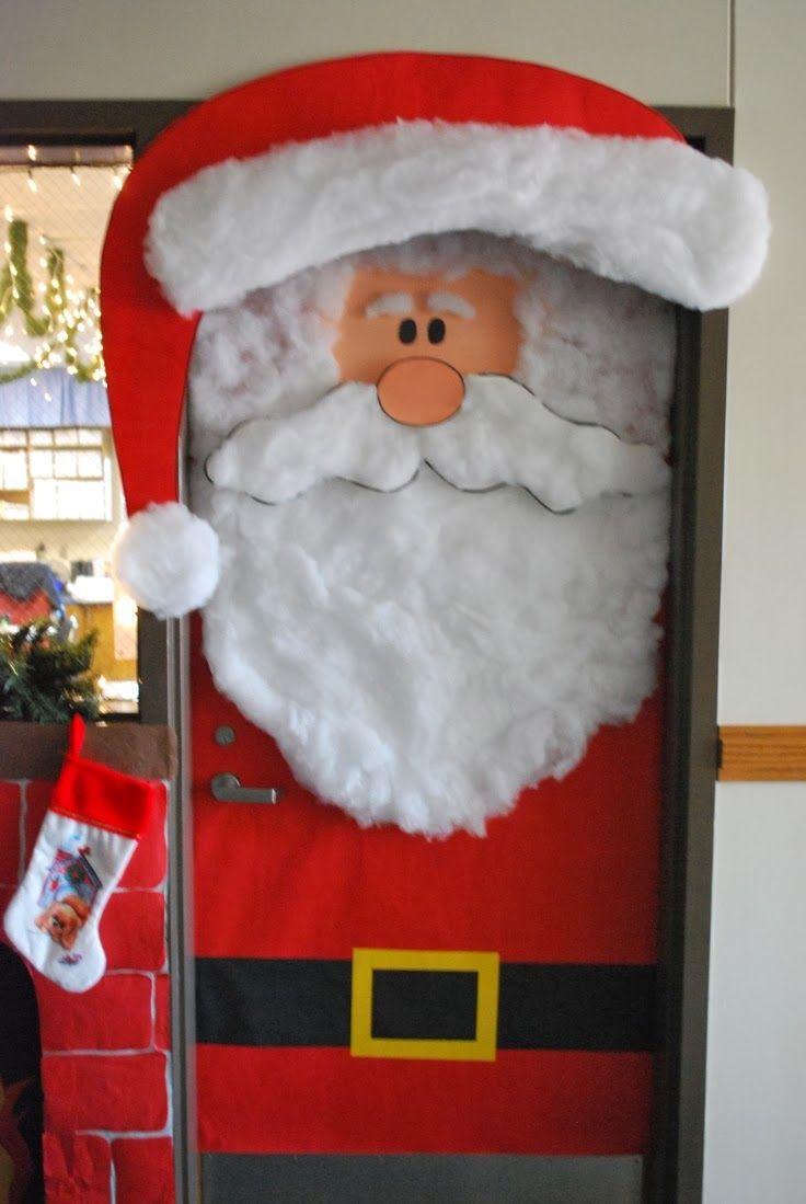 Decoraci n navide a con reciclaje adornos centros de for Puertas decoradas con guirnaldas
