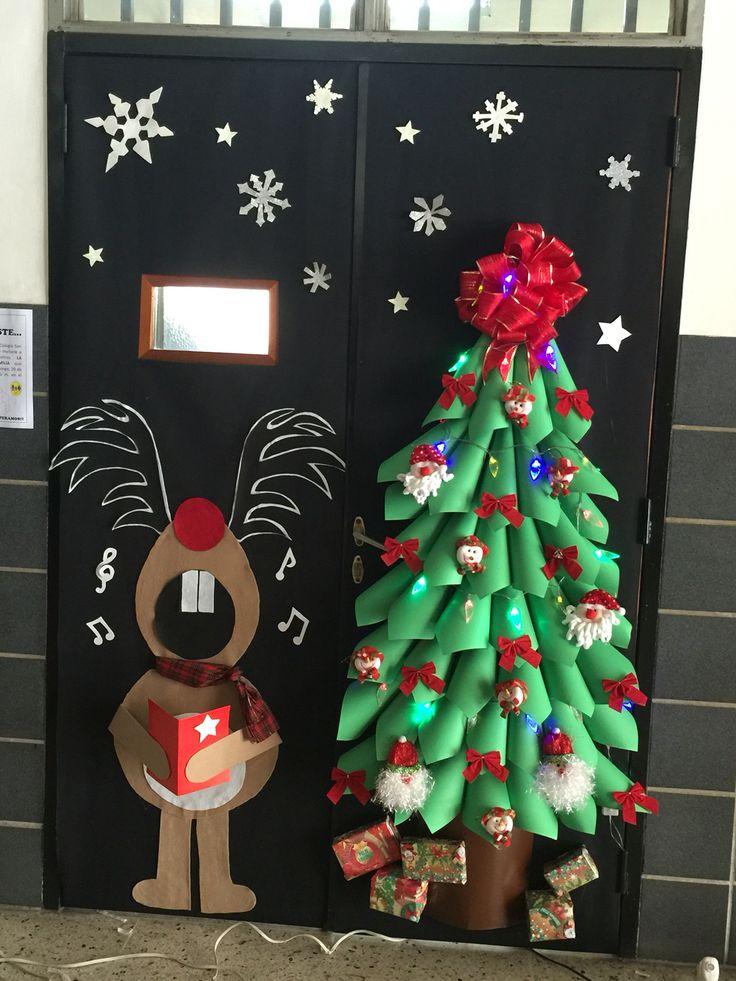 Decoraci n navide a con reciclaje adornos centros de for Puertas pintadas originales