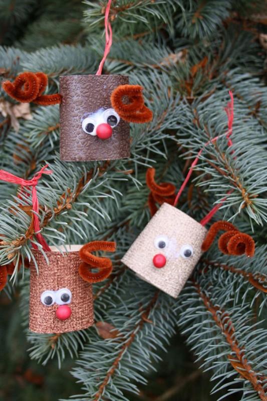 renos-reciclados-para-decorar-el-arbol-de-navidad