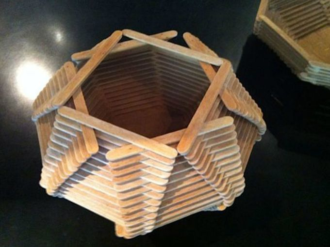 Manualidades hechas con palitos de helado ecolog a hoy for Trabajos artesanales para hacer en casa