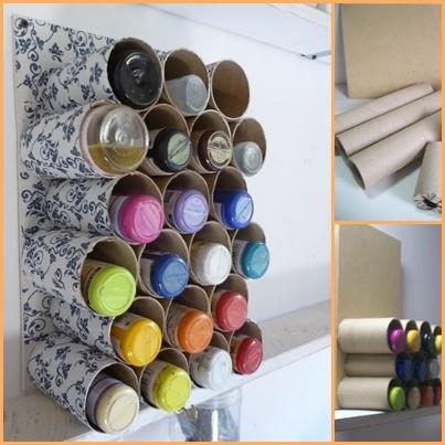 50 manualidades originales hechas con tubos de cart n y for Hacer muebles con carton